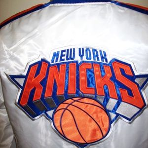 NEW YORK KNICKS Starter Snap Down Jacket WHITE